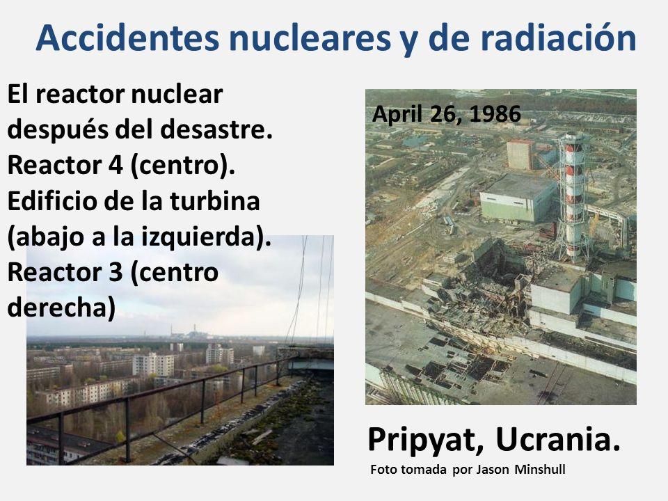 Pripyat, Ucrania. Foto tomada por Jason Minshull El reactor nuclear después del desastre. Reactor 4 (centro). Edificio de la turbina (abajo a la izqui