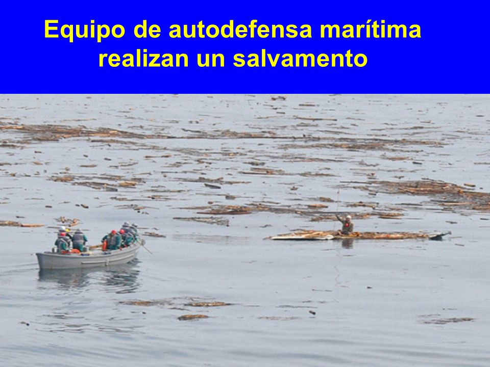 Equipo de autodefensa marítima realizan un salvamento