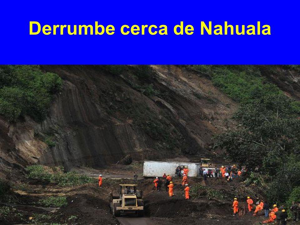 Derrumbe cerca de Nahuala