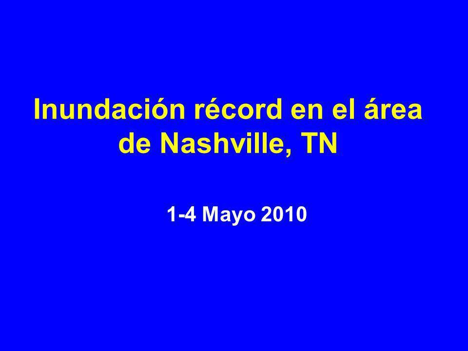 Inundación después de 2 días de intensas lluvias ha dejando a la ciudad de Nashville y el área que le rodea con un récord de 33 cm (13 pulgadas) de agua.