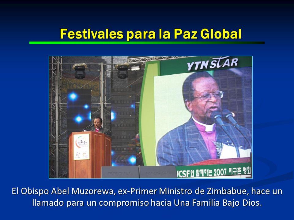 Festivales para la Paz Global El Obispo Abel Muzorewa, ex-Primer Ministro de Zimbabue, hace un llamado para un compromiso hacia Una Familia Bajo Dios.