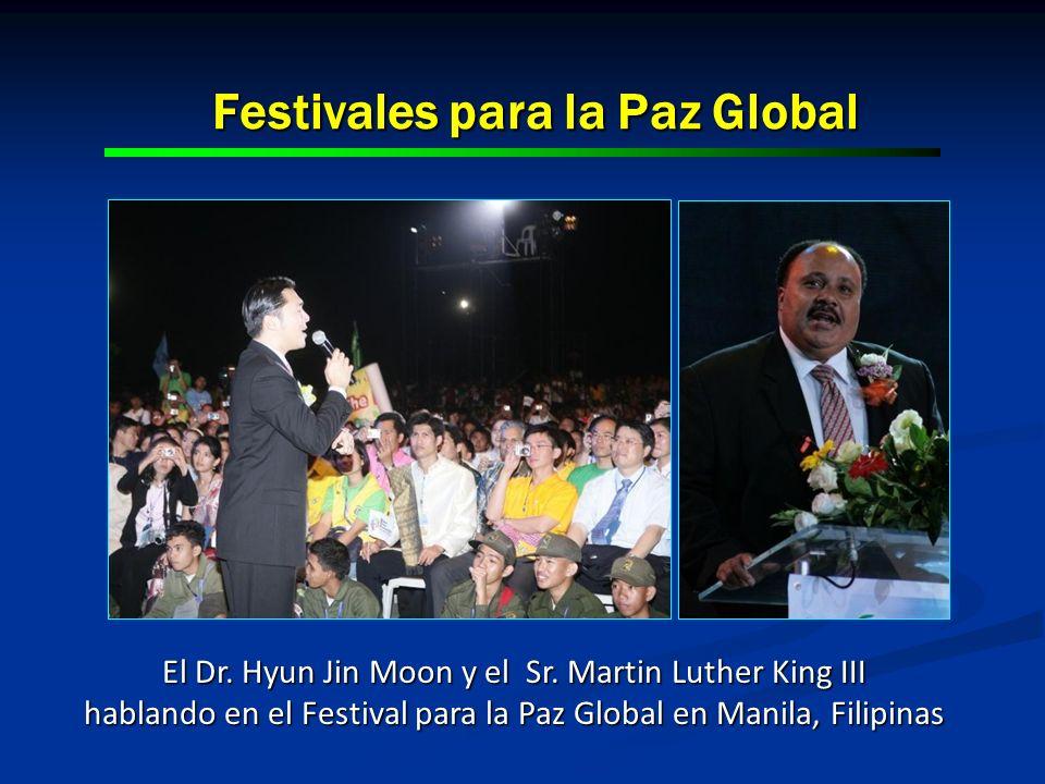 Festivales para la Paz Global El Dr. Hyun Jin Moon y el Sr. Martin Luther King III hablando en el Festival para la Paz Global en Manila, Filipinas
