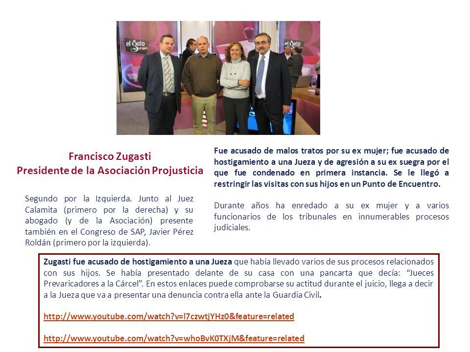 Francisco Zugasti Presidente de la Asociación Projusticia Segundo por la Izquierda. Junto al Juez Calamita (primero por la derecha) y su abogado (y de