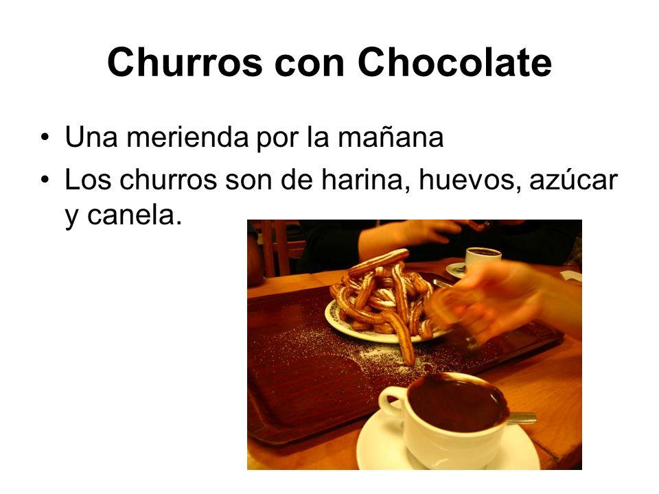 Churros con Chocolate Una merienda por la mañana Los churros son de harina, huevos, azúcar y canela.