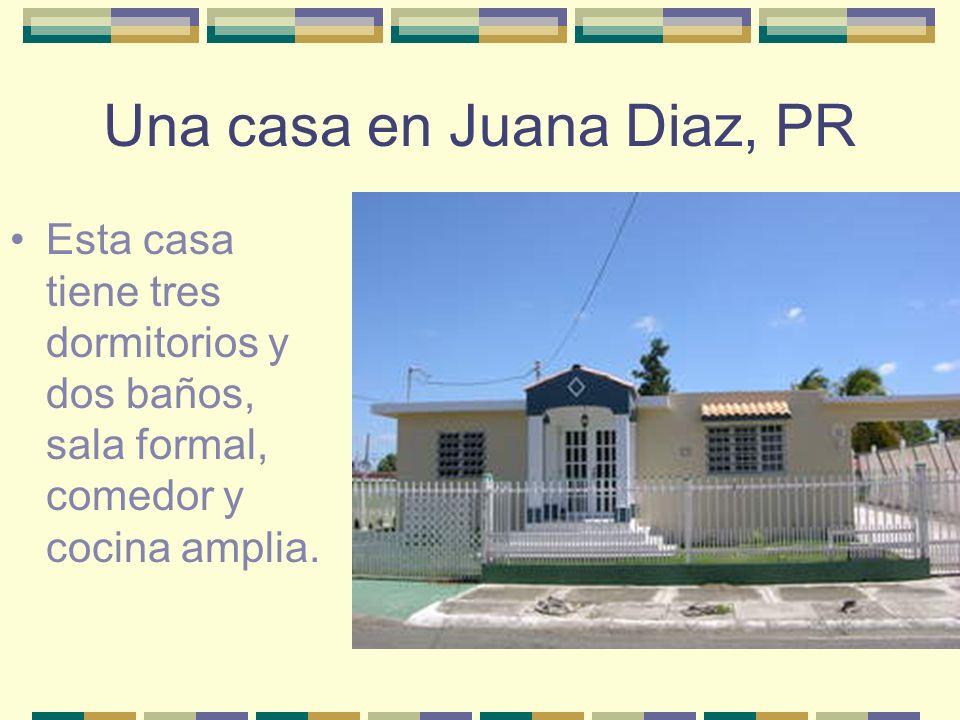 La casa está en San Juan, PR Tiene patio y jardín espectacular con una piscina.
