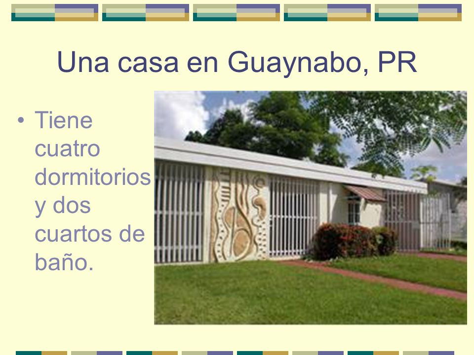 Una casa en Guaynabo, PR Tiene cuatro dormitorios y dos cuartos de baño.