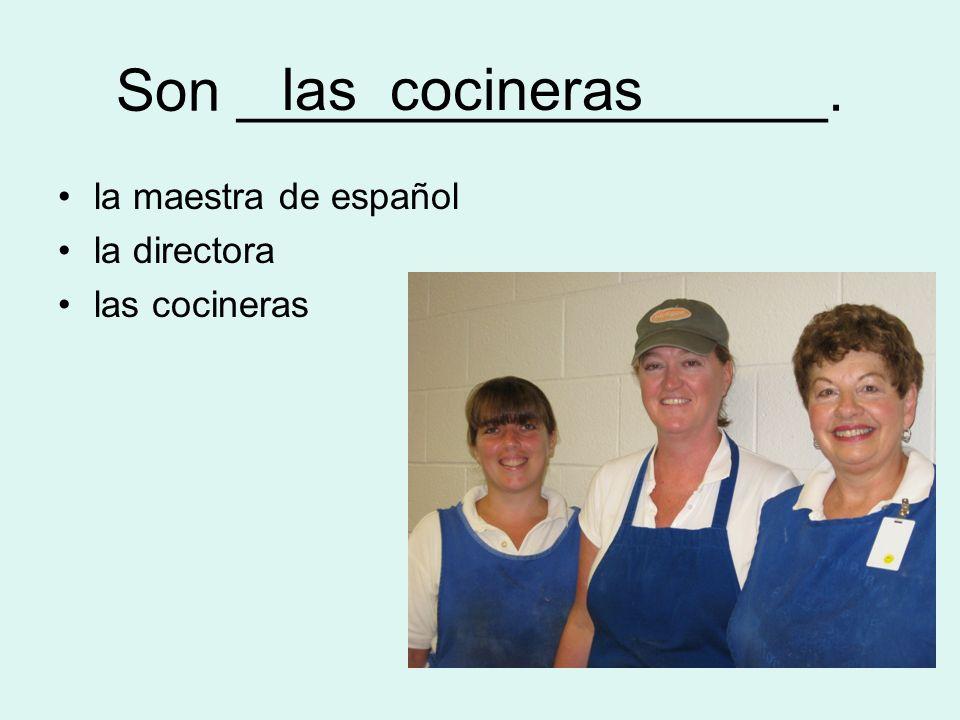 Es _________________. la secretaria la enfermera la profesora de arte la profesora de arte