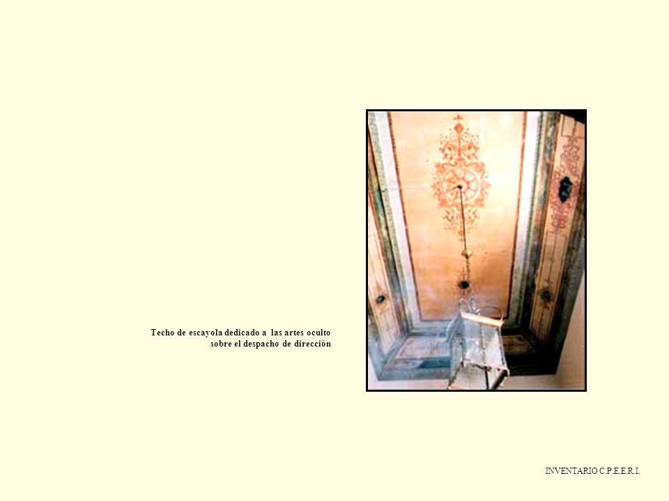 INVENTARIO C.P.E.E.R.I. Techo de escayola dedicado a las artes oculto sobre el despacho de dirección
