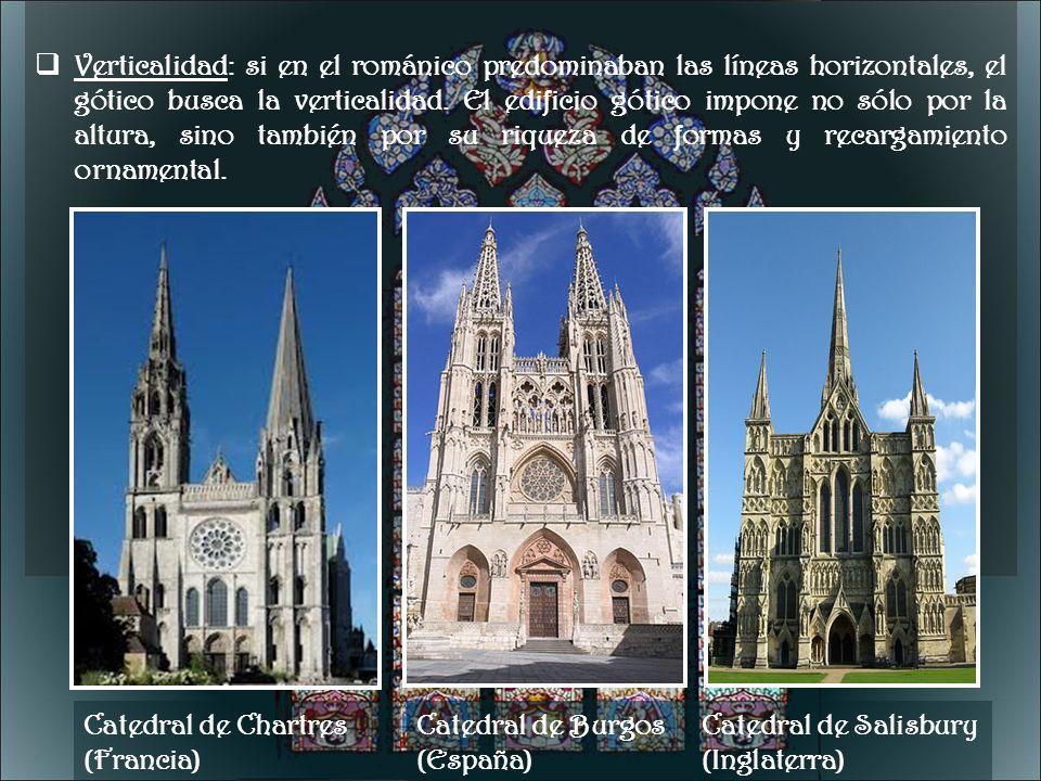 Verticalidad: si en el románico predominaban las líneas horizontales, el gótico busca la verticalidad. El edificio gótico impone no sólo por la altura