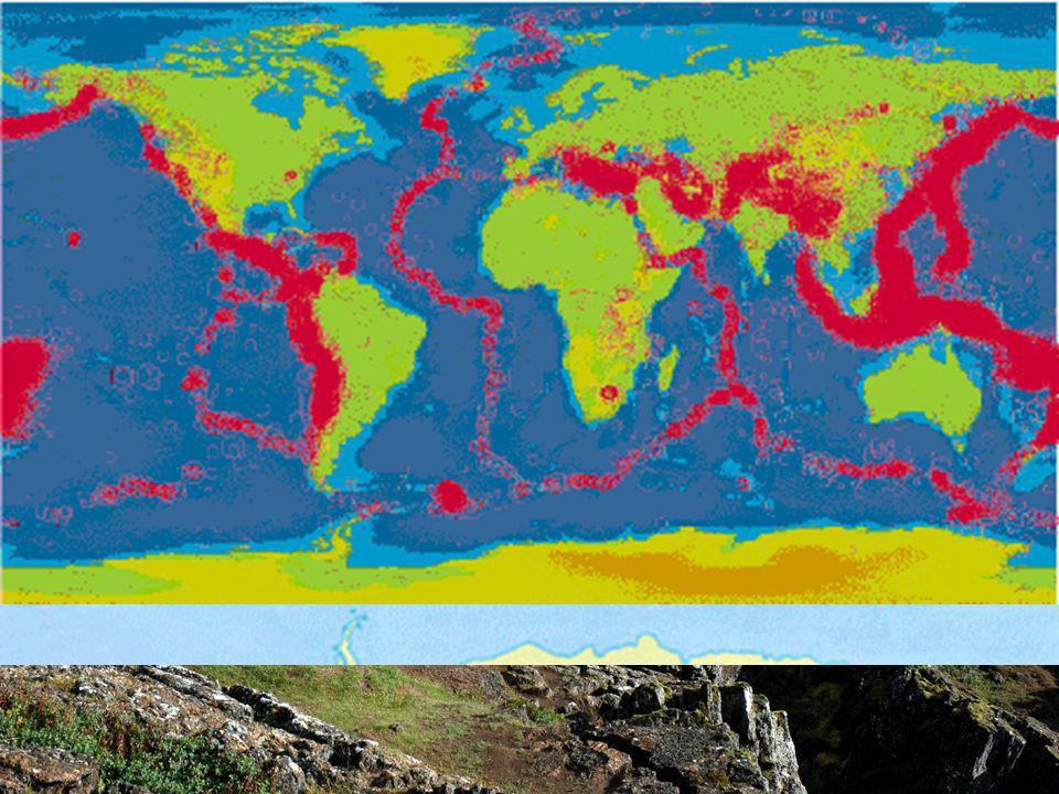 DE LA DERIVA CONTINENTAL A LA TECTÓNICA GLOBAL La energía interior de La Tierra se disipa, además de otras formas, en la formación de volcanes y en la formación de terremotos.