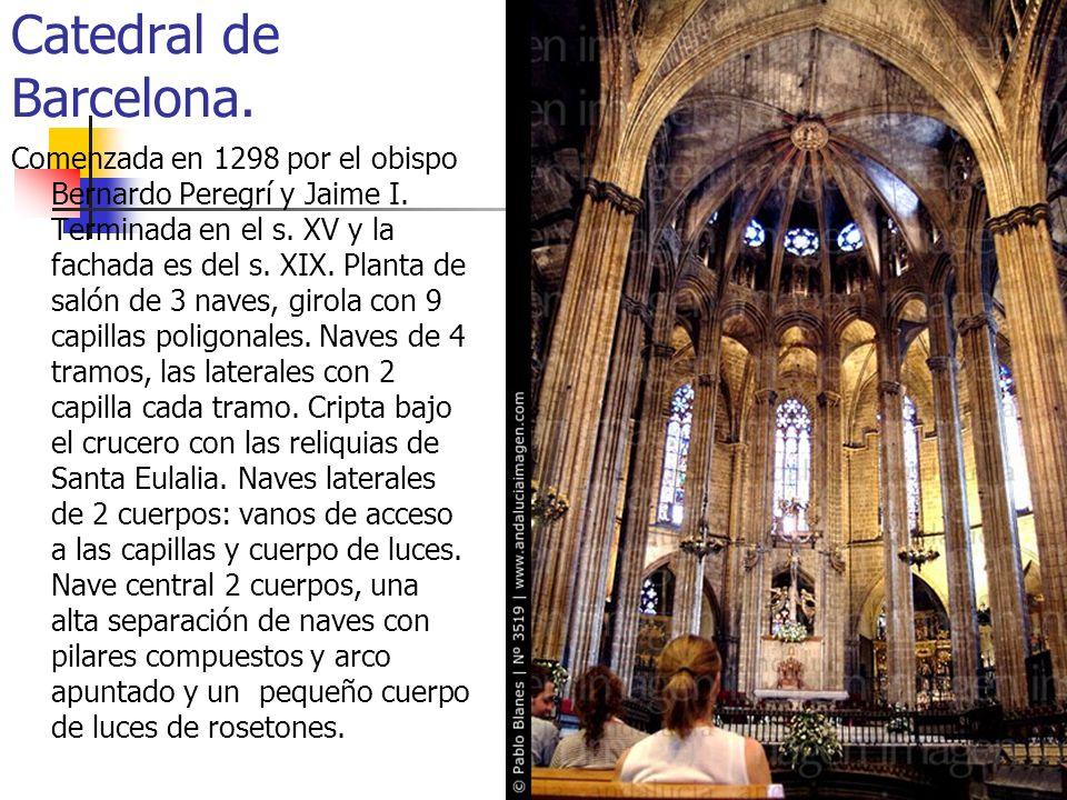 Gótico45 Catedral de Barcelona. Comenzada en 1298 por el obispo Bernardo Peregrí y Jaime I. Terminada en el s. XV y la fachada es del s. XIX. Planta d