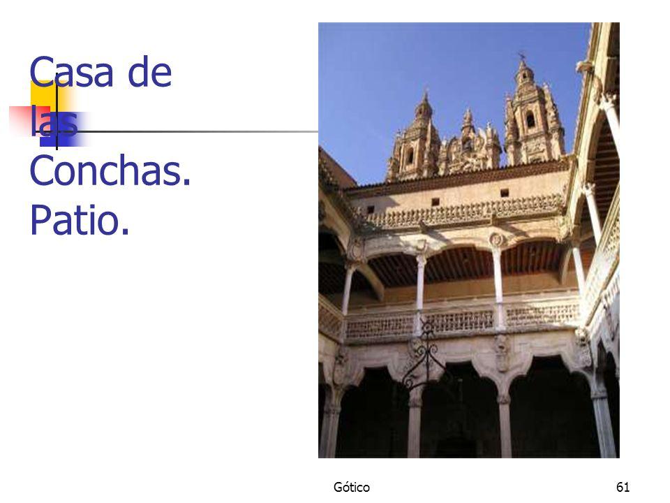 Gótico61 Casa de las Conchas. Patio.