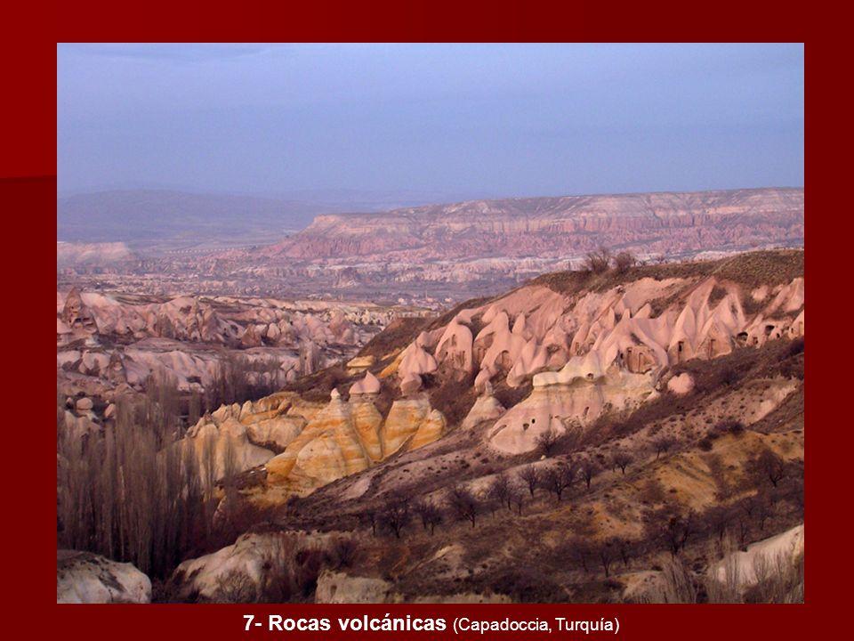 7- Rocas volcánicas (Capadoccia, Turquía)