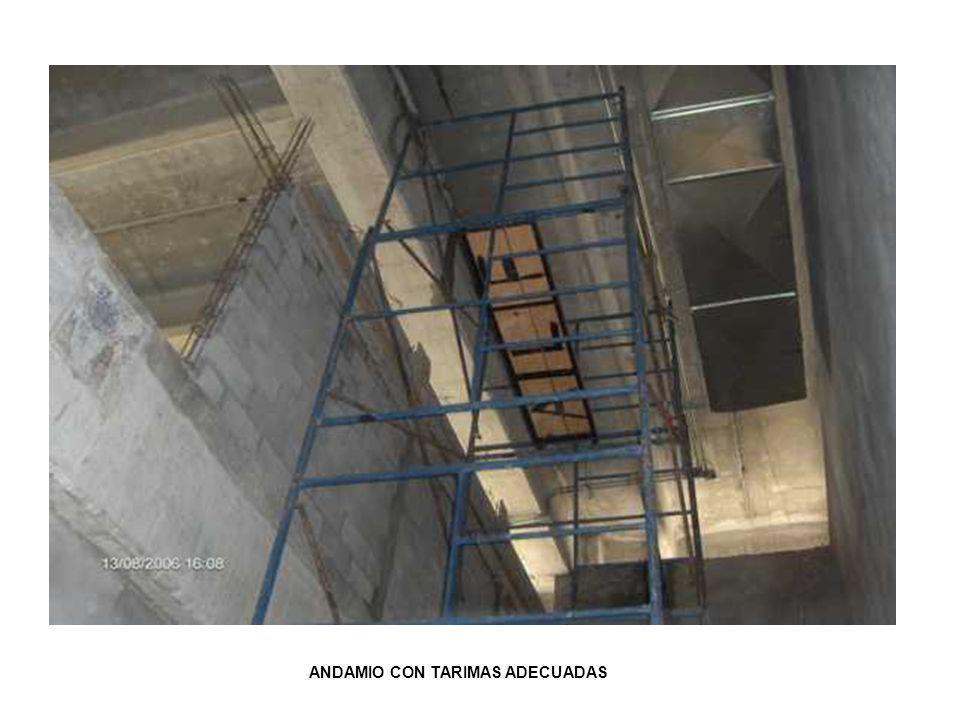 ANDAMIO CON TARIMAS ADECUADAS