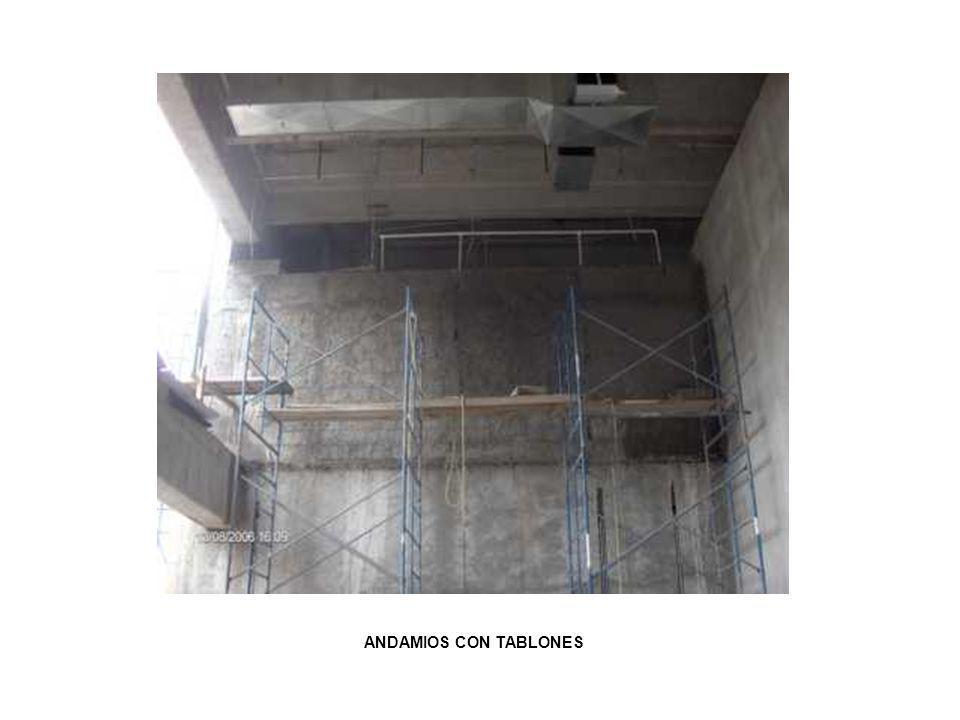 ANDAMIOS CON TABLONES