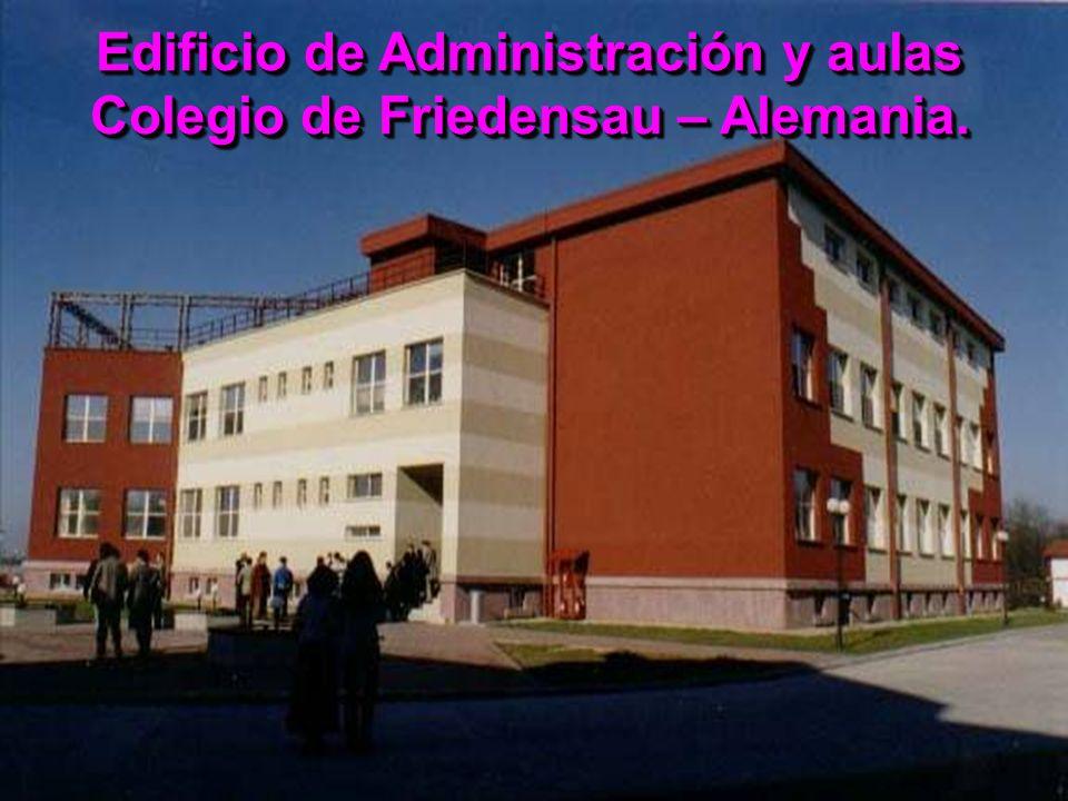 Edificio de Administración y aulas Colegio de Friedensau – Alemania.