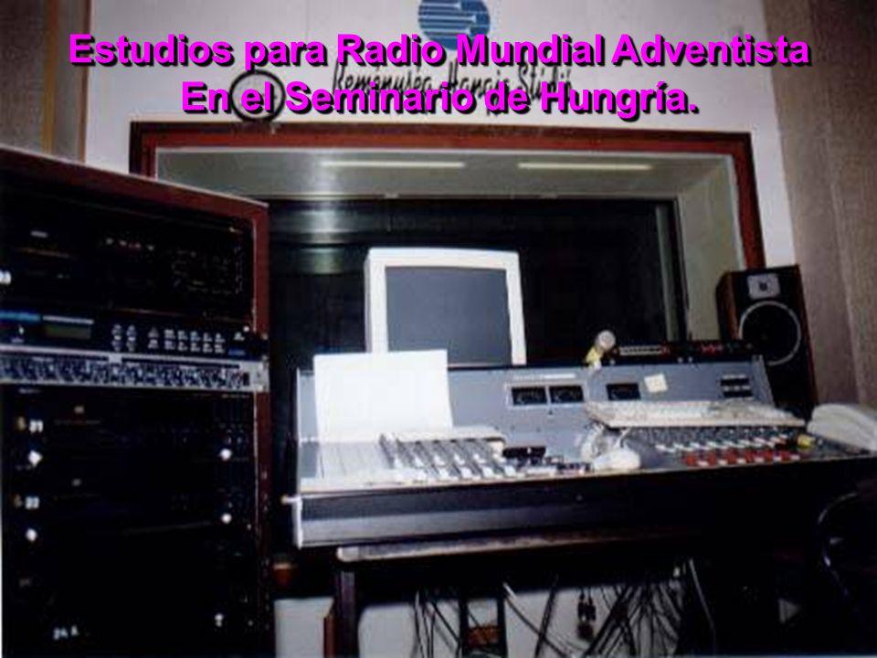 Estudios para Radio Mundial Adventista En el Seminario de Hungría.