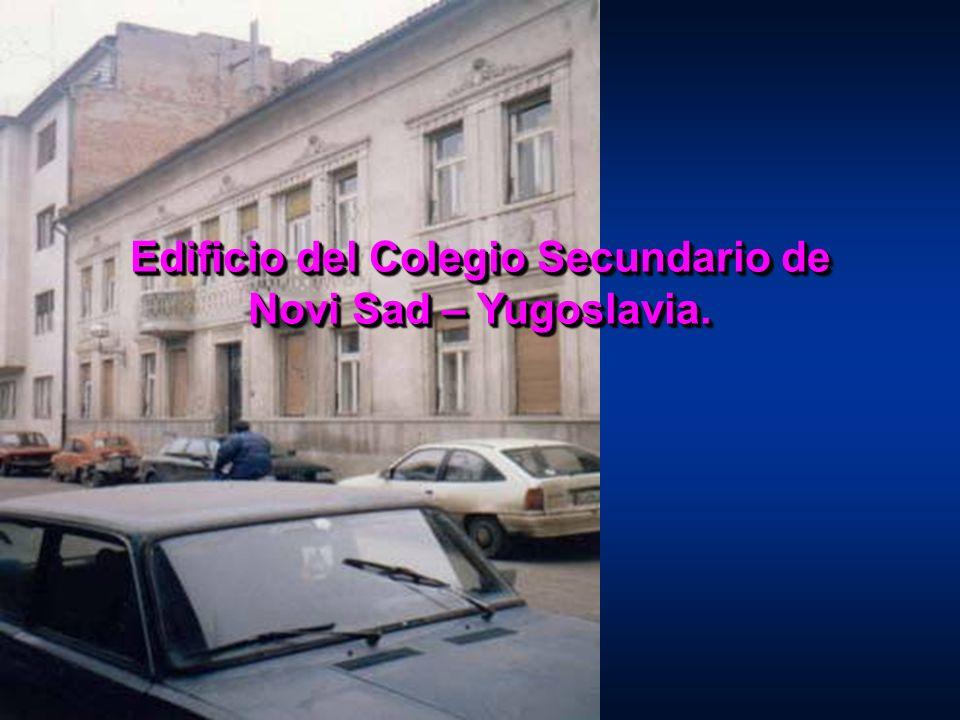 Edificio del Colegio Secundario de Novi Sad – Yugoslavia.