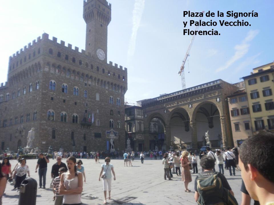 Plaza de la Signoría y Palacio Vecchio. Florencia.
