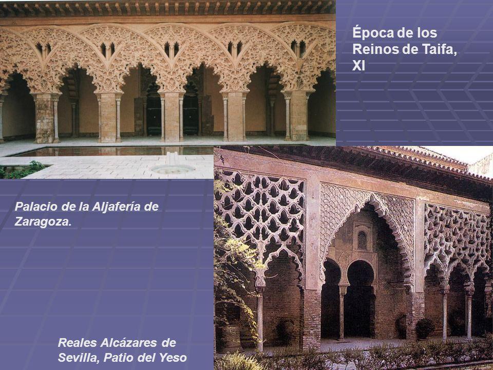 Época de los Reinos de Taifa, XI Palacio de la Aljafería de Zaragoza. Reales Alcázares de Sevilla, Patio del Yeso