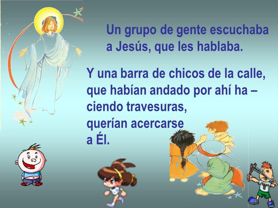 Cristo, todo entero, Dios y hombre, está presente en ella de manera sacramental, es decir, bajo las especies del pan y del vino.