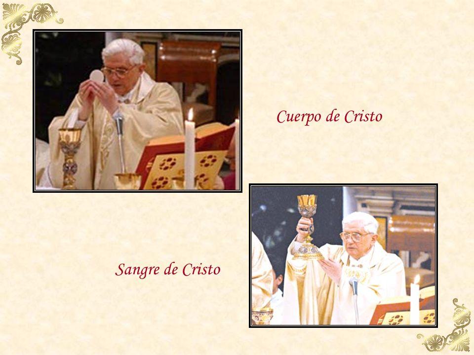Invocaciones o epíclesis La Iglesia implora el poder divino para que los dones ofrecidos por los hombres queden consagrados y se conviertan en el Cuer