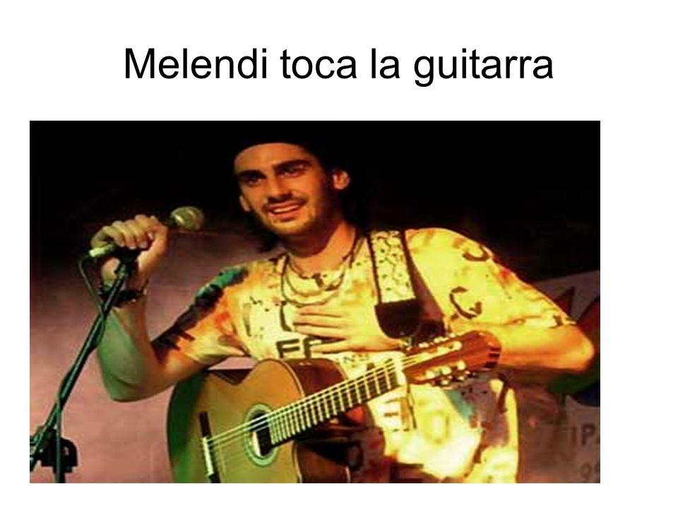 Vida del cantante Melendi nació en Oviedo y desde muy pequeño se aficionó al fútbol, llegando a militar en las categorías inferiores del club de su ciudad.