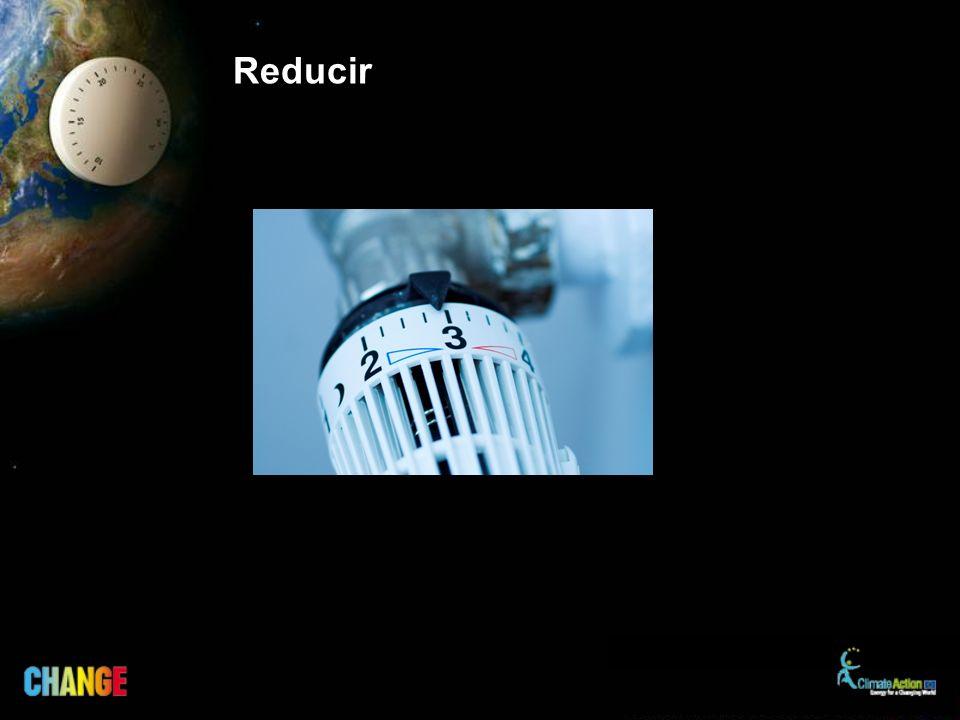 Elige baja energía Cuando tengas que cambiar… –Bombillas –Frigorífico, congelador –Calefacción central –Ventanas… Elige productos de alta eficiencia energética El coste inicial más alto se amortiza en forma de ahorro energético a lo largo de la vida del producto