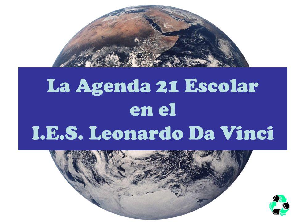 ¿QUÉ ES AGENDA 21 ESCOLAR? Se trata de mejorar aspectos ambientales y sociales del instituto y su entorno a través de la participación de tod@s. Apren