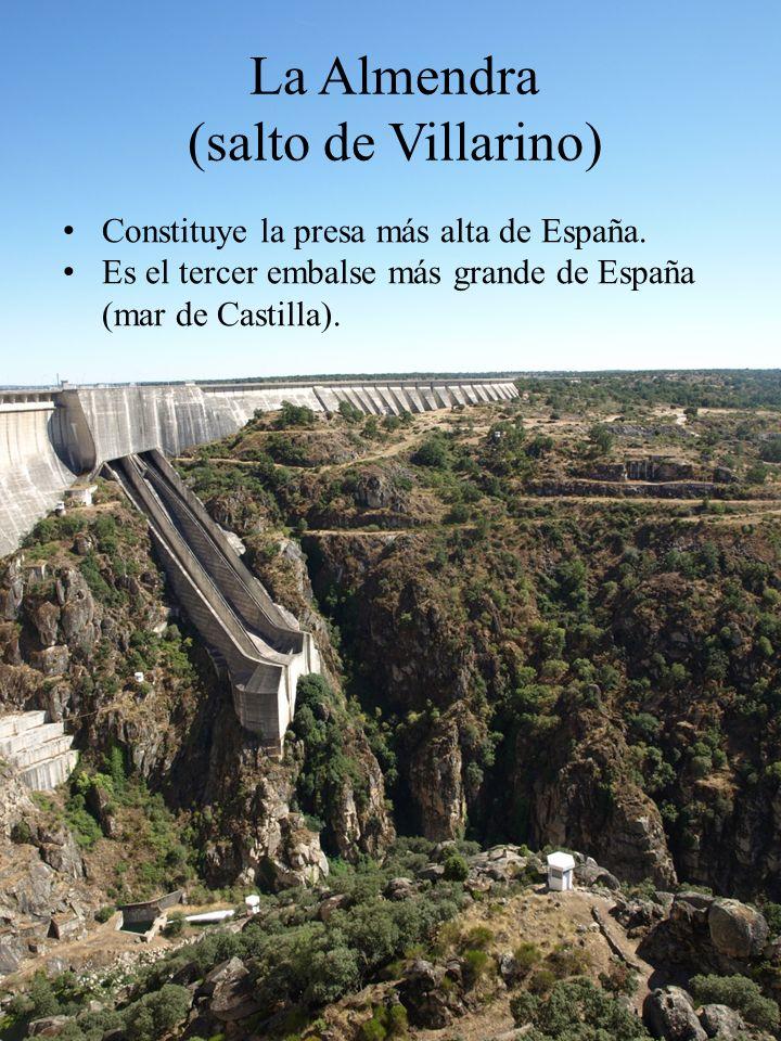 Constituye la presa más alta de España. Es el tercer embalse más grande de España (mar de Castilla). La Almendra (salto de Villarino)
