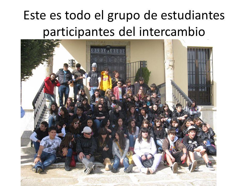 Este es todo el grupo de estudiantes participantes del intercambio