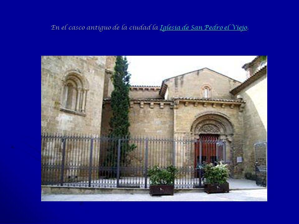En el casco antiguo de la ciudad la Iglesia de San Pedro el Viejo. Iglesia de San Pedro el ViejoIglesia de San Pedro el Viejo