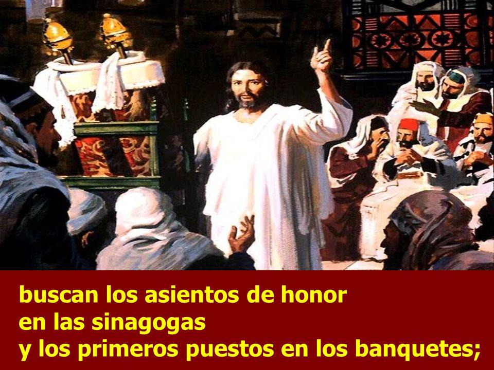 En aquel tiempo, entre lo que enseñaba Jesús a la gente, dijo: ¡Cuidado con los escribas! Les encanta pasearse con amplio ropaje y que les hagan rever