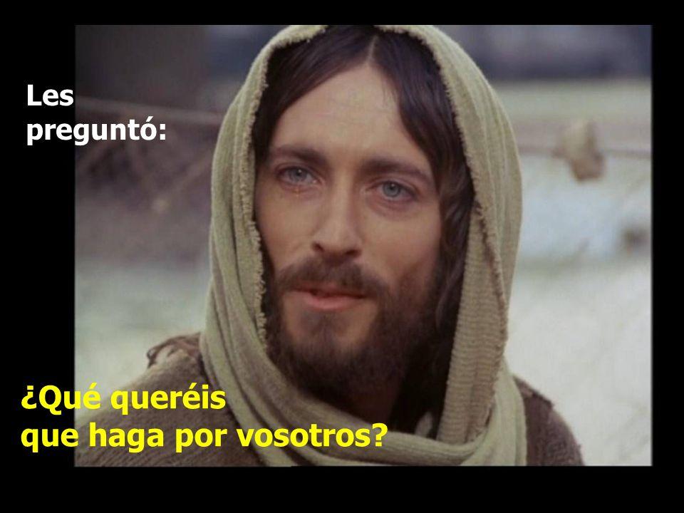 En aquel tiempo, se acercaron a Jesús los hijos del Zebedeo, Santiago y Juan, y le dijeron: Maestro, queremos que hagas lo que te vamos a pedir.