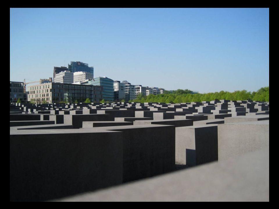 Monumento del holocausto, es un monumento que recuerda en Berlín a los judíos víctimas del holocausto.