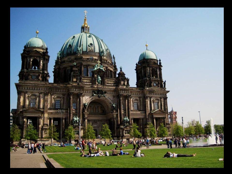 Catedral de Berlín La Berliner Dom fue construida por orden del Emperador Guillermo II.