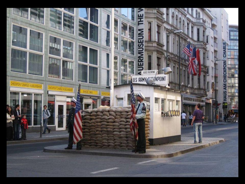 Gendarmenmarkt construida en el siglo XII, es una de las zonas más bonitas de Berlín.