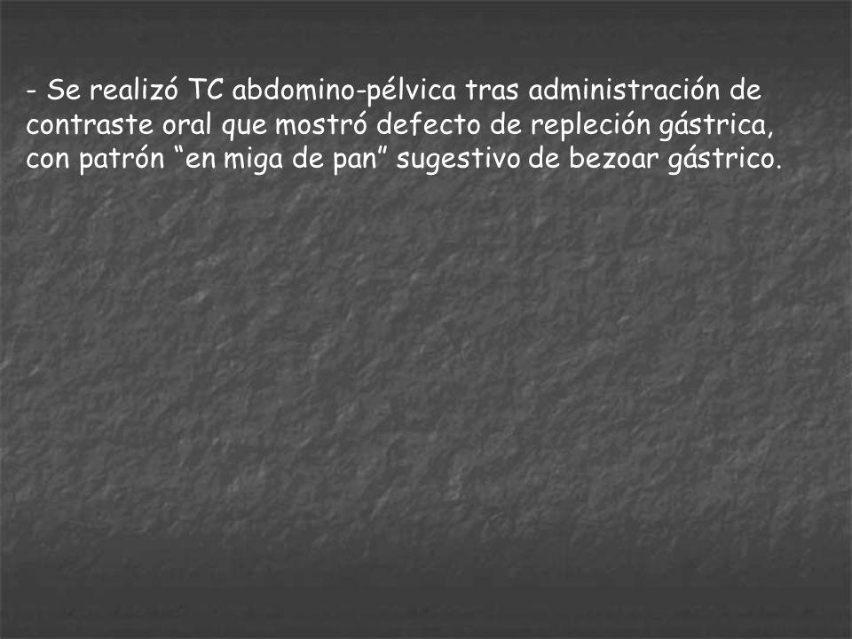 - Se realizó TC abdomino-pélvica tras administración de contraste oral que mostró defecto de repleción gástrica, con patrón en miga de pan sugestivo d