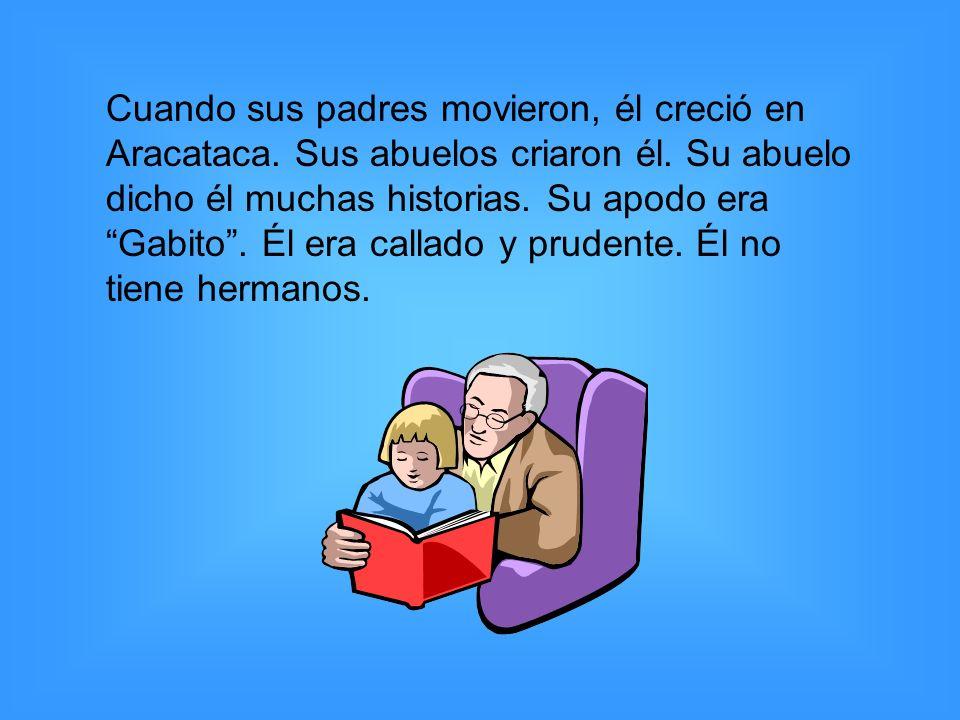 Cuando sus padres movieron, él creció en Aracataca. Sus abuelos criaron él. Su abuelo dicho él muchas historias. Su apodo era Gabito. Él era callado y