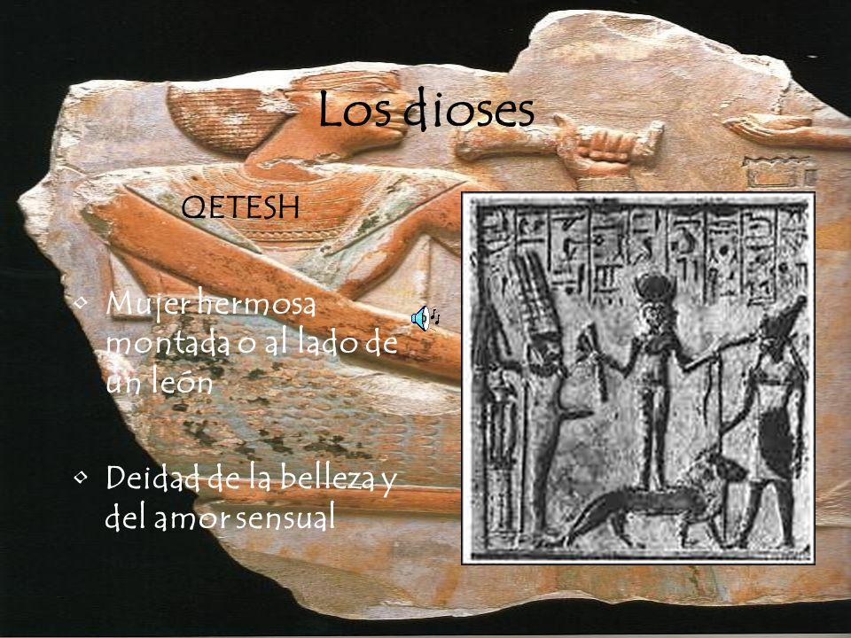 Los dioses QETESH Mujer hermosa montada o al lado de un león Deidad de la belleza y del amor sensual