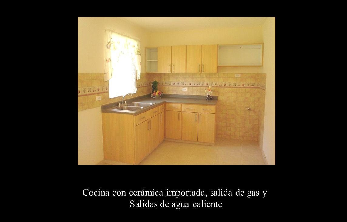 Cocina Cocina con cerámica importada, salida de gas y Salidas de agua caliente