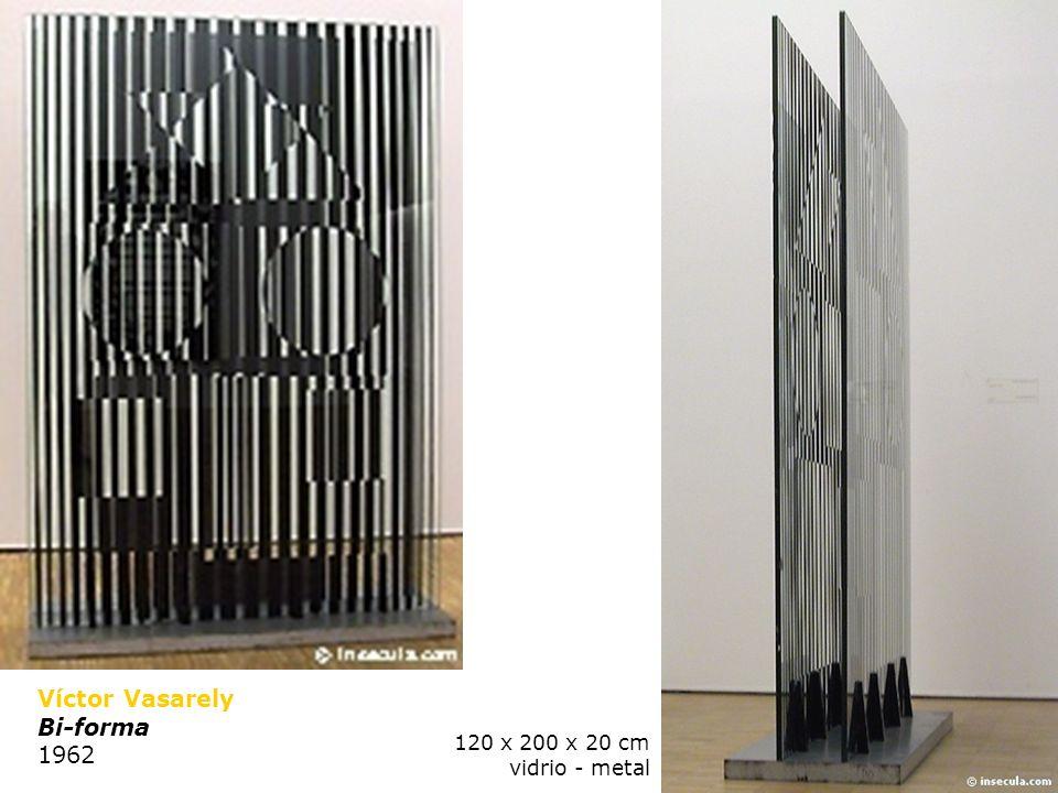 Jesús Rafael Soto (Venezuela 1923-) Penetrable 1973 y 1995 aluminio, acero y nylon 5 x 5 x 14 m Parque García Sanabria, Santa Cruz de Ténérife.