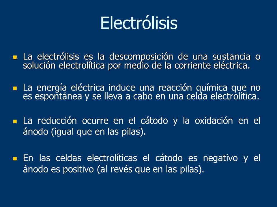 La electrólisis es la descomposición de una sustancia o solución electrolítica por medio de la corriente eléctrica. La electrólisis es la descomposici