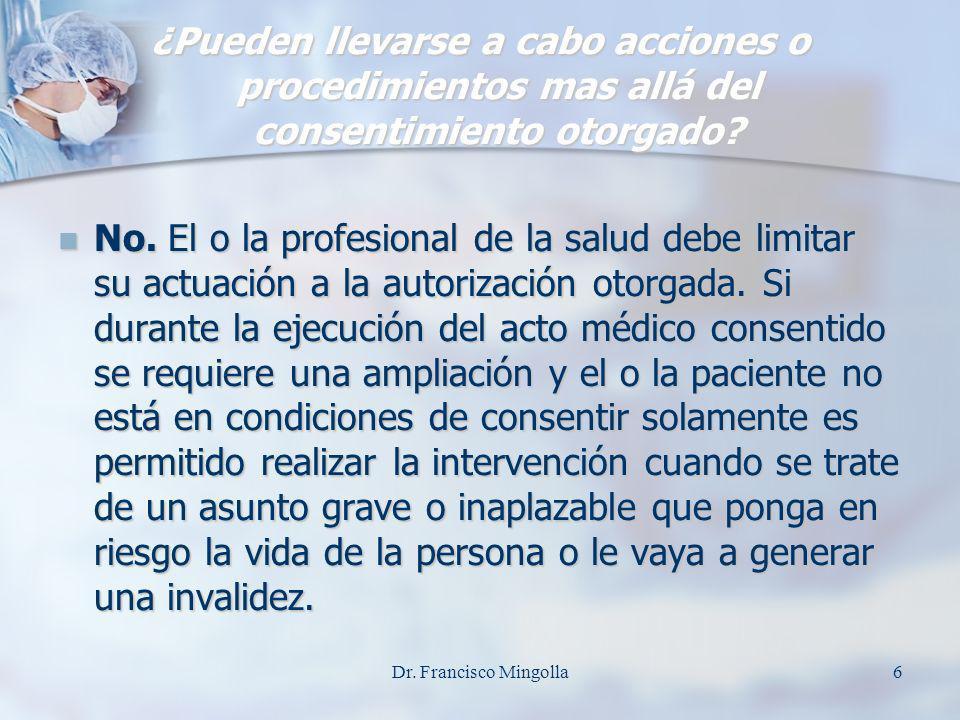 DERECHOS DEL PACIENTE El de estar informado sobre la prescripción de medicamentos y las decisiones terapéuticas tomadas por el juicio del médico.