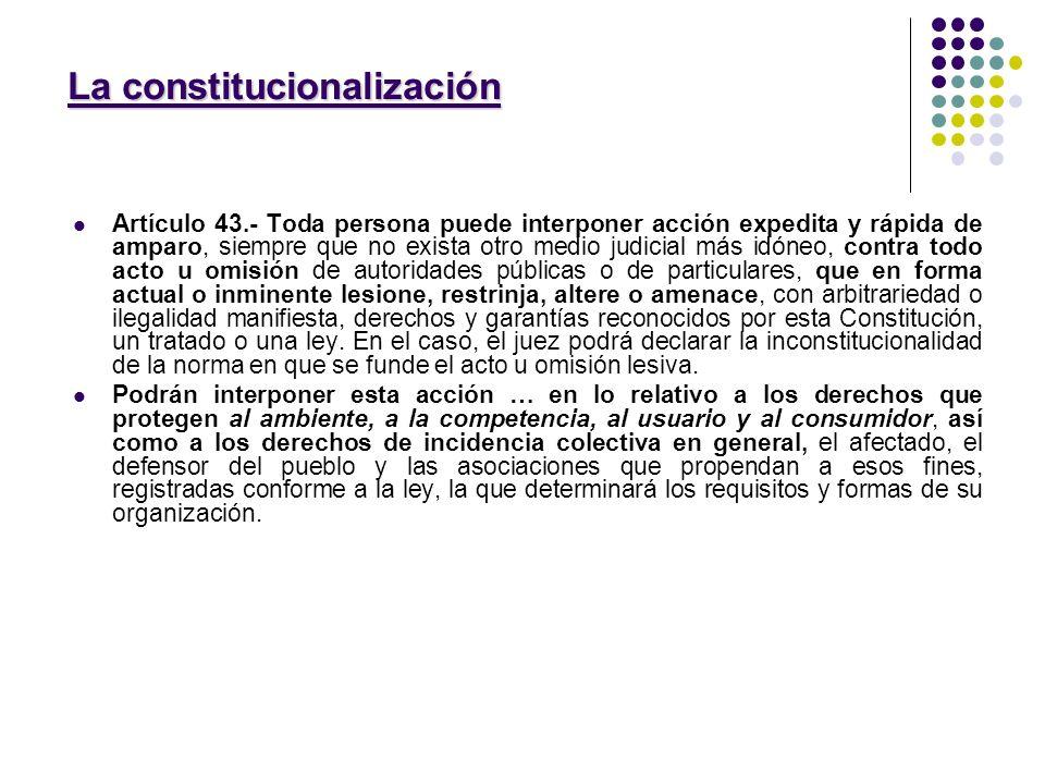 MICROSISTEMA DE TUTELA AUTONOMO: MICROSISTEMA DE TUTELA AUTONOMO: Se integra: 1) Ley 24.240 Promulgada con veto parcial PEN 1993: - Leyes modificatorias: 24.787 – 24.999 – 26.361 2) 22.802 (lealtad comercial) 3) 25.156 (defensa de la competencia) Se complementa con leyes especiales que generalmente conforman relaciones de consumo: Leasing – Tarjeta de crédito – regulacion contrato turismo etc - SE CONFORMO EL CONTRATO DE CONSUMO SE CONFORMO EL CONTRATO DE CONSUMO DEJANDO DIFERENCIAS IMPORTANTES, NORMATIVAS Y AXIOLOGICAS CON LA TEORIA GRAL DEL CONTRATO Y AXIOLOGICAS CON LA TEORIA GRAL DEL CONTRATO