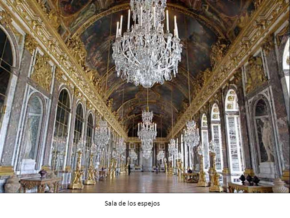 El entorno aristocrático y burgués Las pretensiones artísticas de la nobleza son claramente emulatorias de las actividades que en este campo realiza la monarquía.