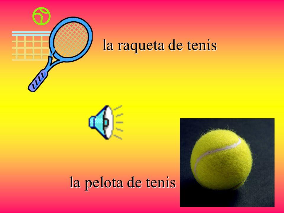 el tenis se juega en una cancha la jugadora o la tenista La raqueta