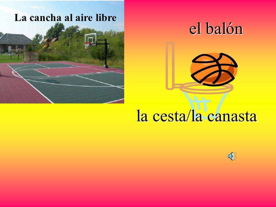el baloncesto el jugador de basquetbol La pelota Los tenis