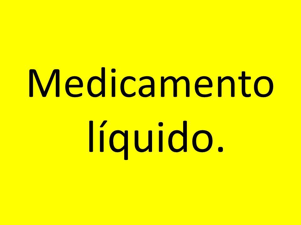 Medicamento líquido.