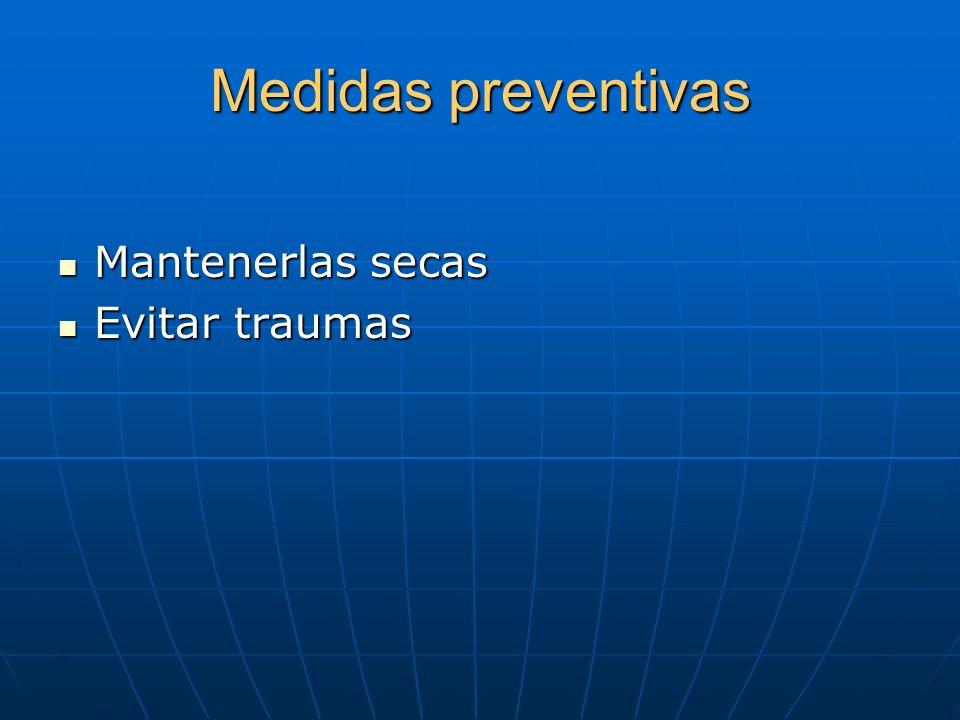 Terapias sistémicas En psoriasis severa. En psoriasis severa. Metrotexato Metrotexato Retinoides Retinoides Ciclosporina Ciclosporina Onicectomía por